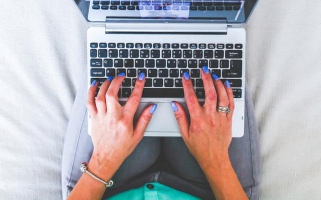 8راه به وبلاگ نویسان یاد بدم تا در اینترنت بیشتر دیده شوند.