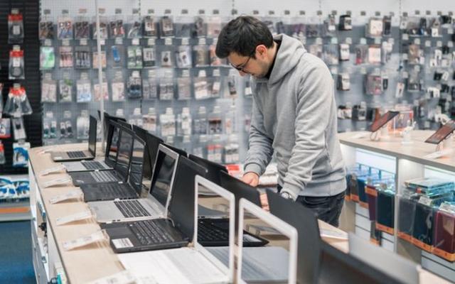 مشاوره خرید لپ تاپ در بازار بدهم بر حسب بودجه و نیاز شما